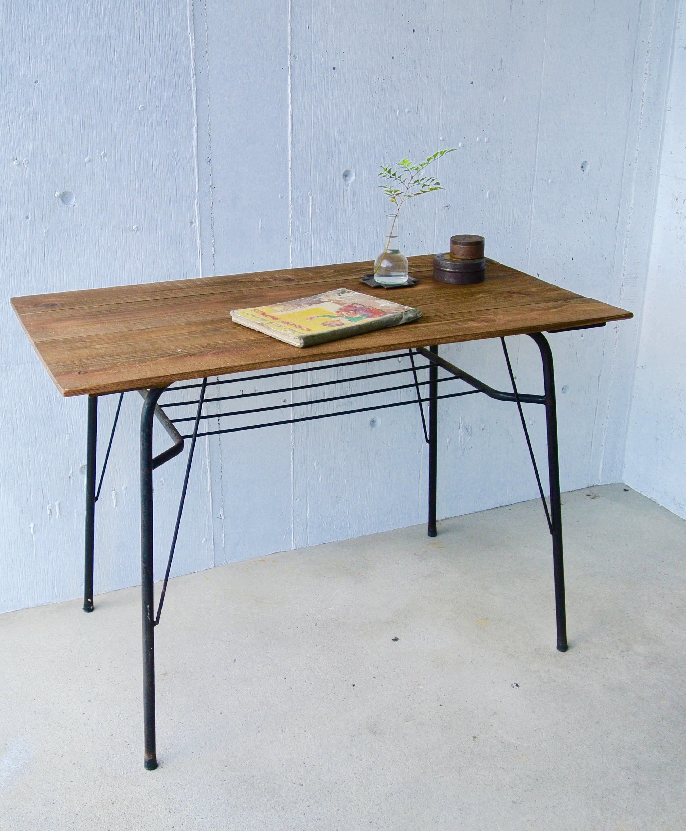 木天板×サビ脚のカフェテーブル[オリジナルリメイク]