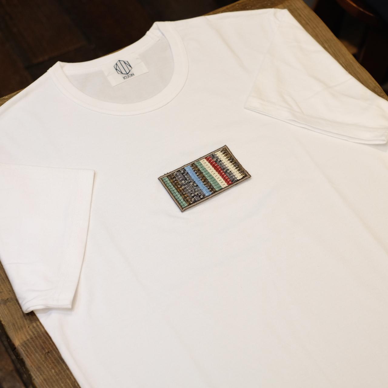 KUON 裂き織り胸パッチTシャツ ホワイト