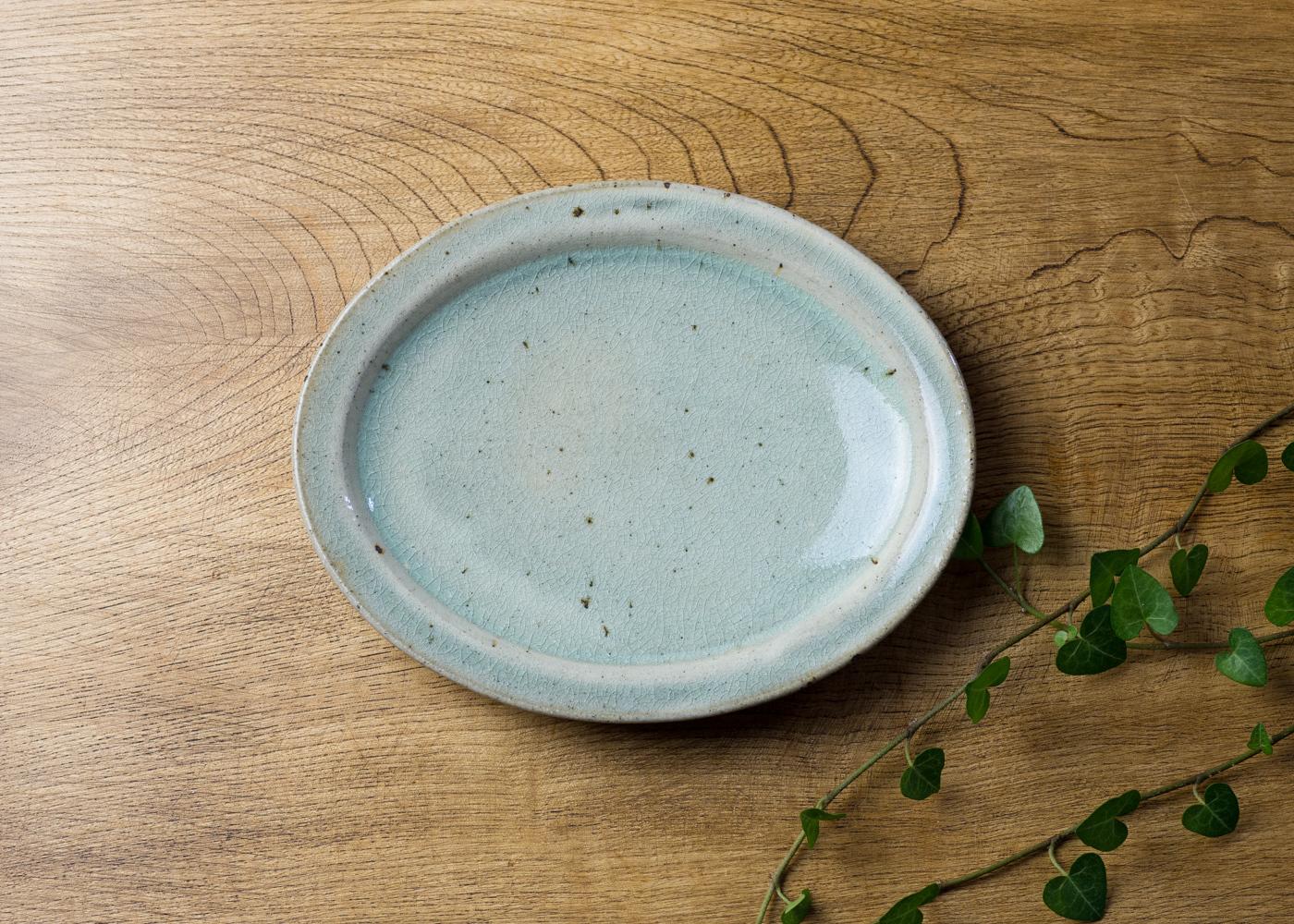 灰釉粉引 オーバル中皿 2/くるり窯