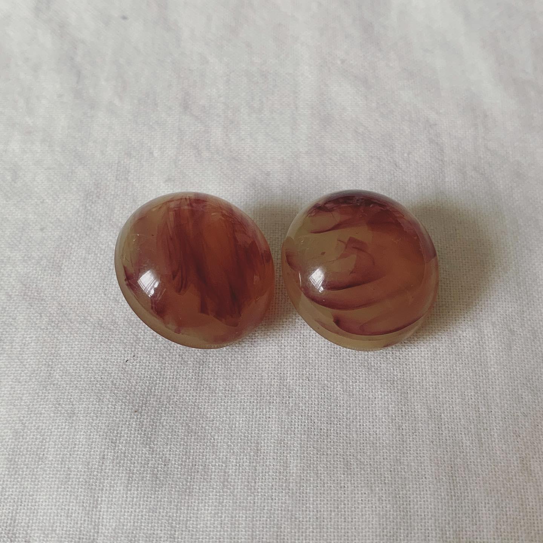 vintage resin earring