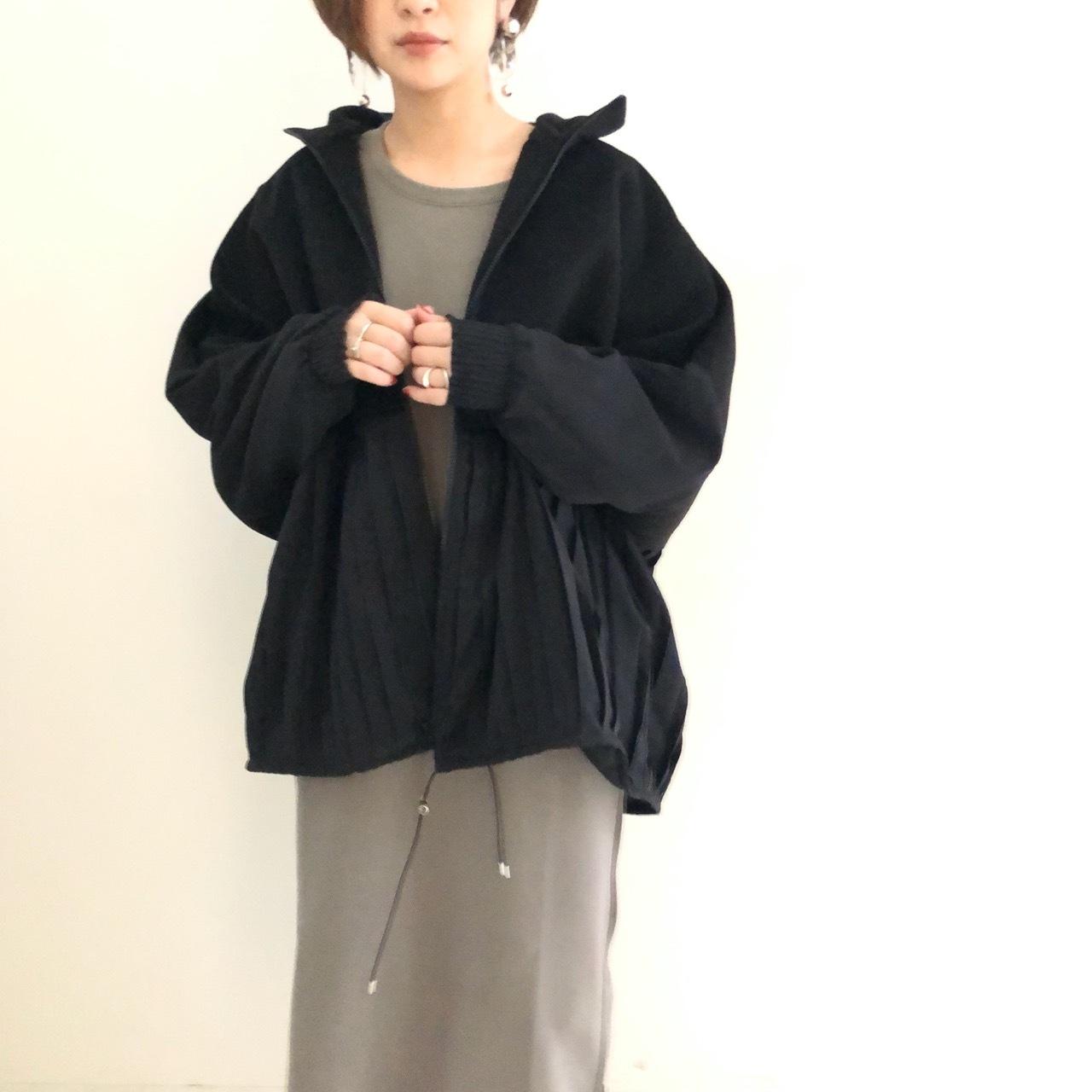 【 TRANOI 】- 136J305 - メルトン切り替えプリーツジャケット