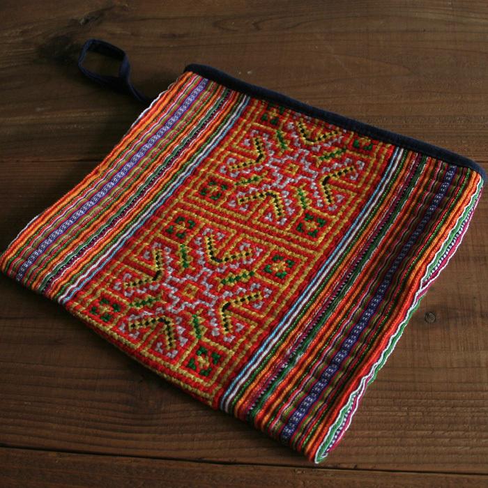モン族(ミャオ族)手刺繍ポーチ/157/VETNAM