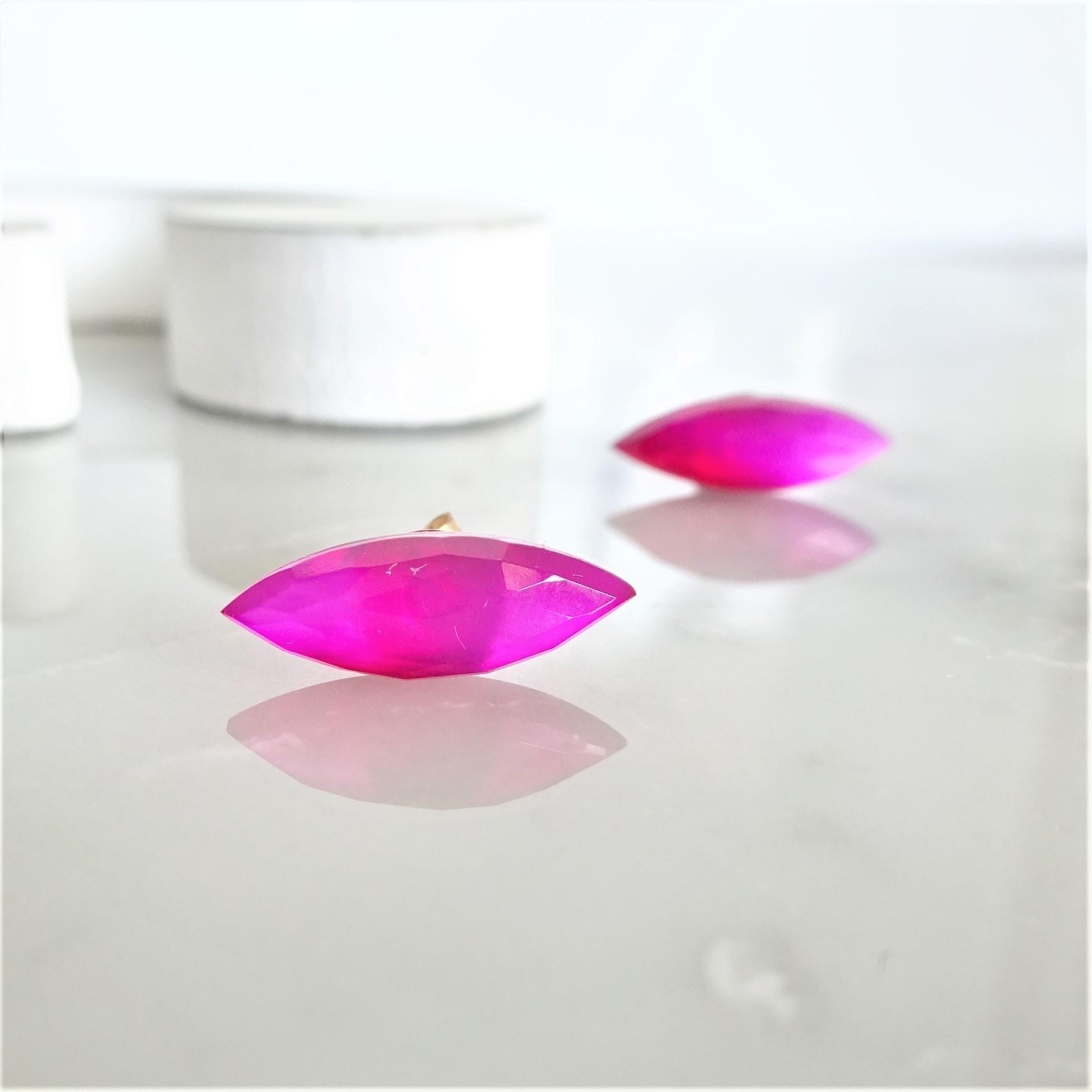送料無料 Fuchsia pink Chalcedony*Marquis stud pierced earring