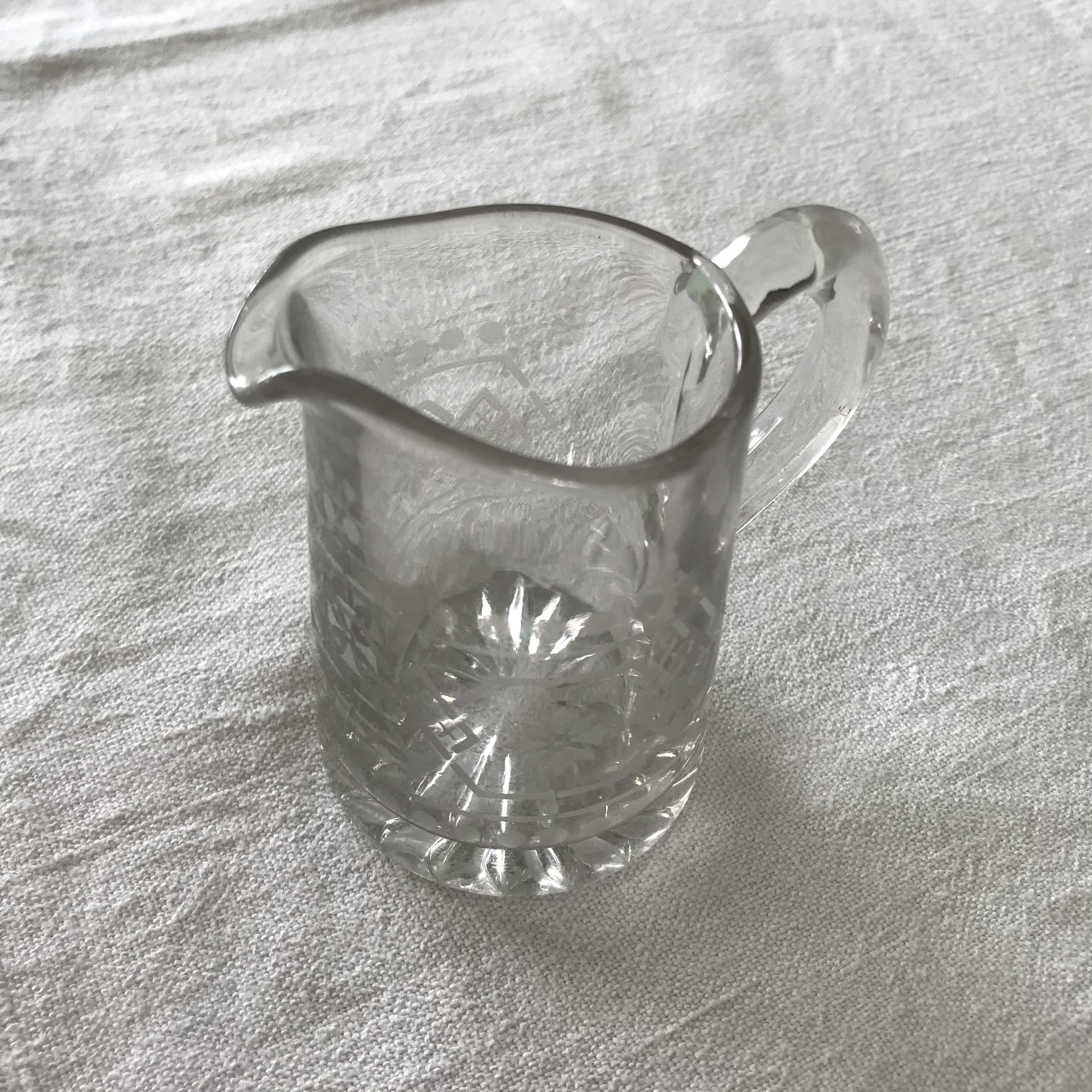 ガラスのミルクジャグ 2