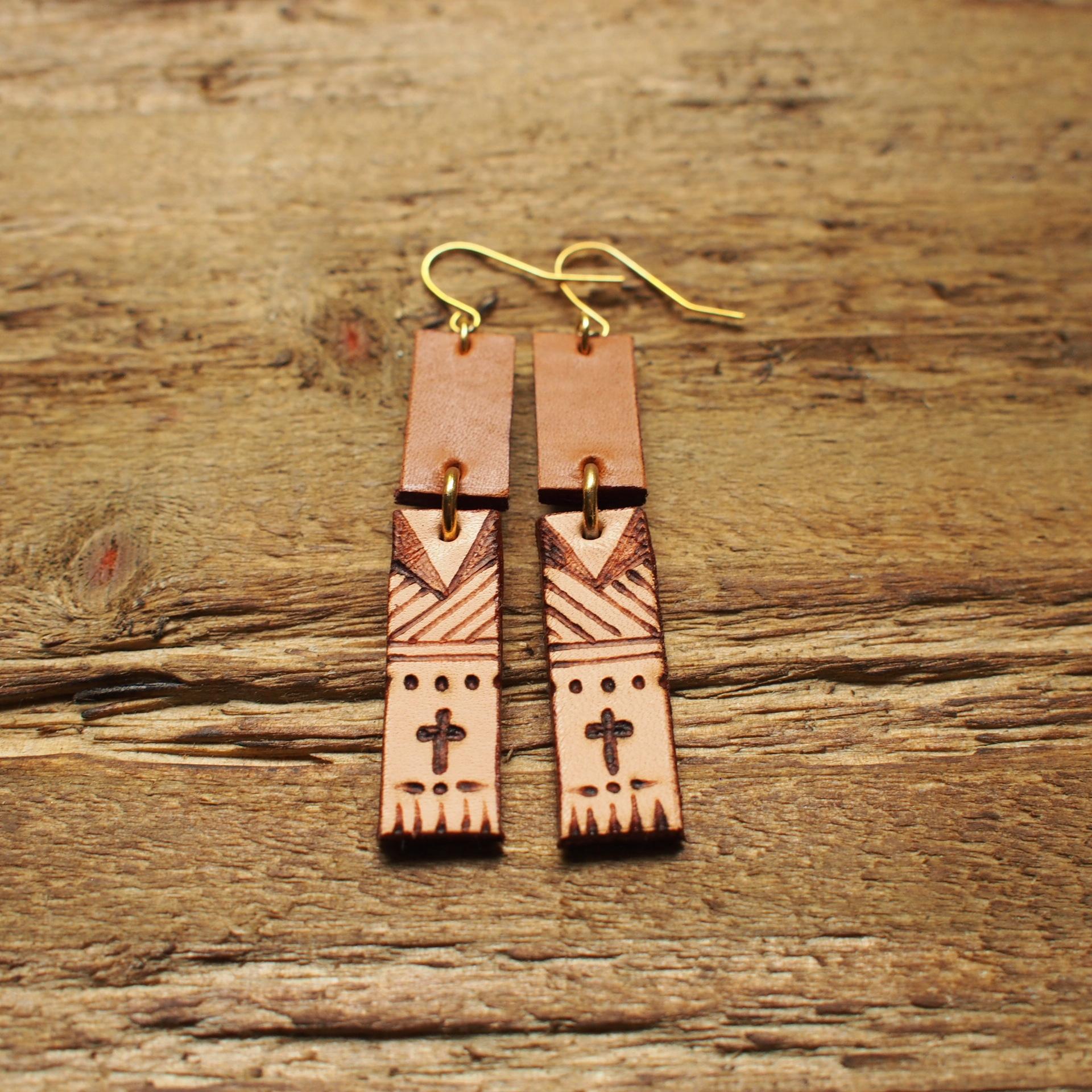 Burning Leather Art Pierce -Cross- / Brown