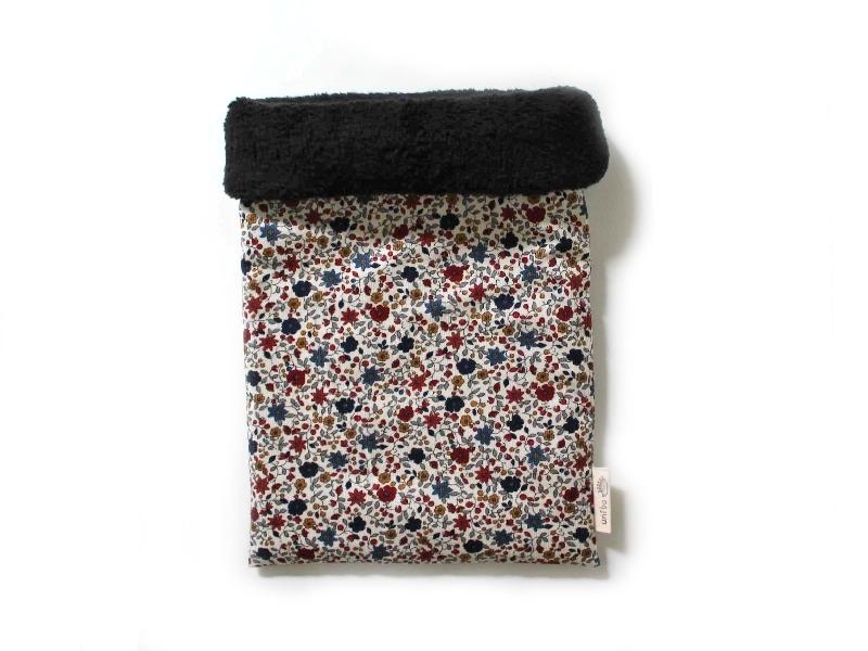 ハリネズミ用寝袋 M(冬用) コーデュロイ×ボアフリース 小花柄