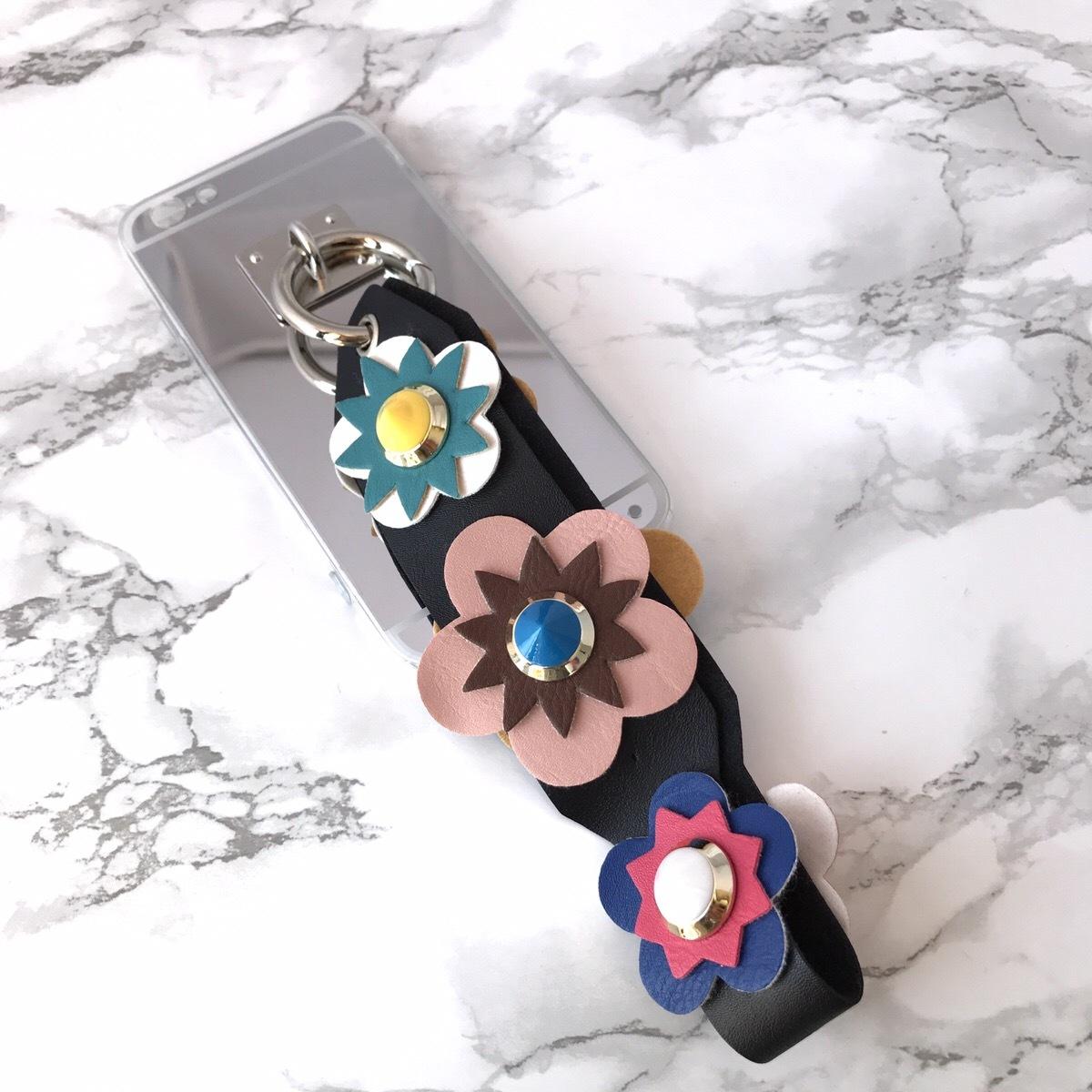 【即納★送料無料】ミラーソフトケース&お花フラワー スタッズ ストラップ付 iPhoneケース
