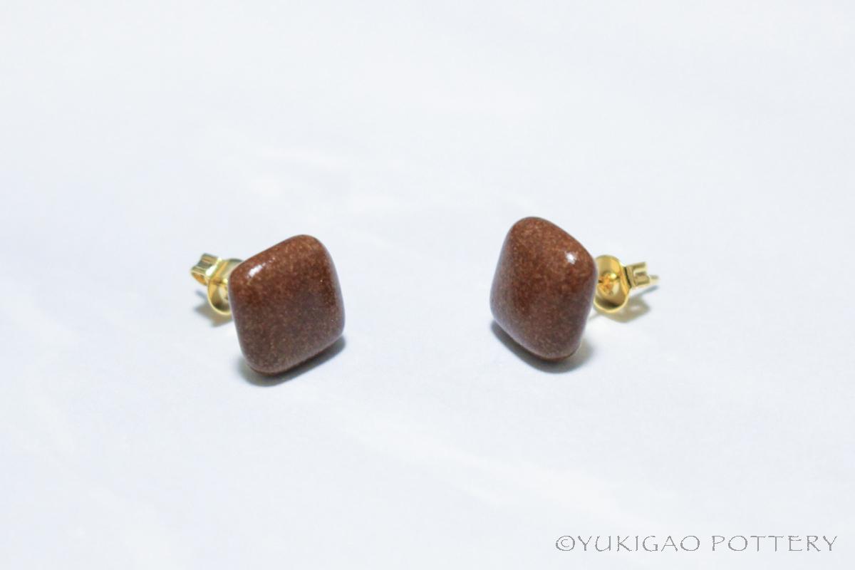 磁器のピアス【Chocolate】