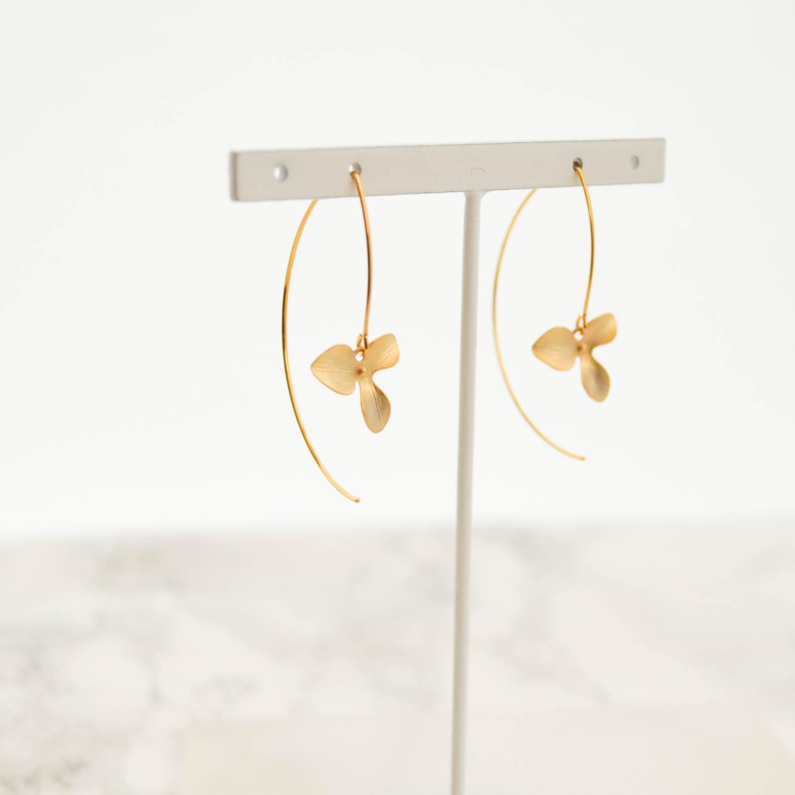 Gold Flower Long Hook Pierce