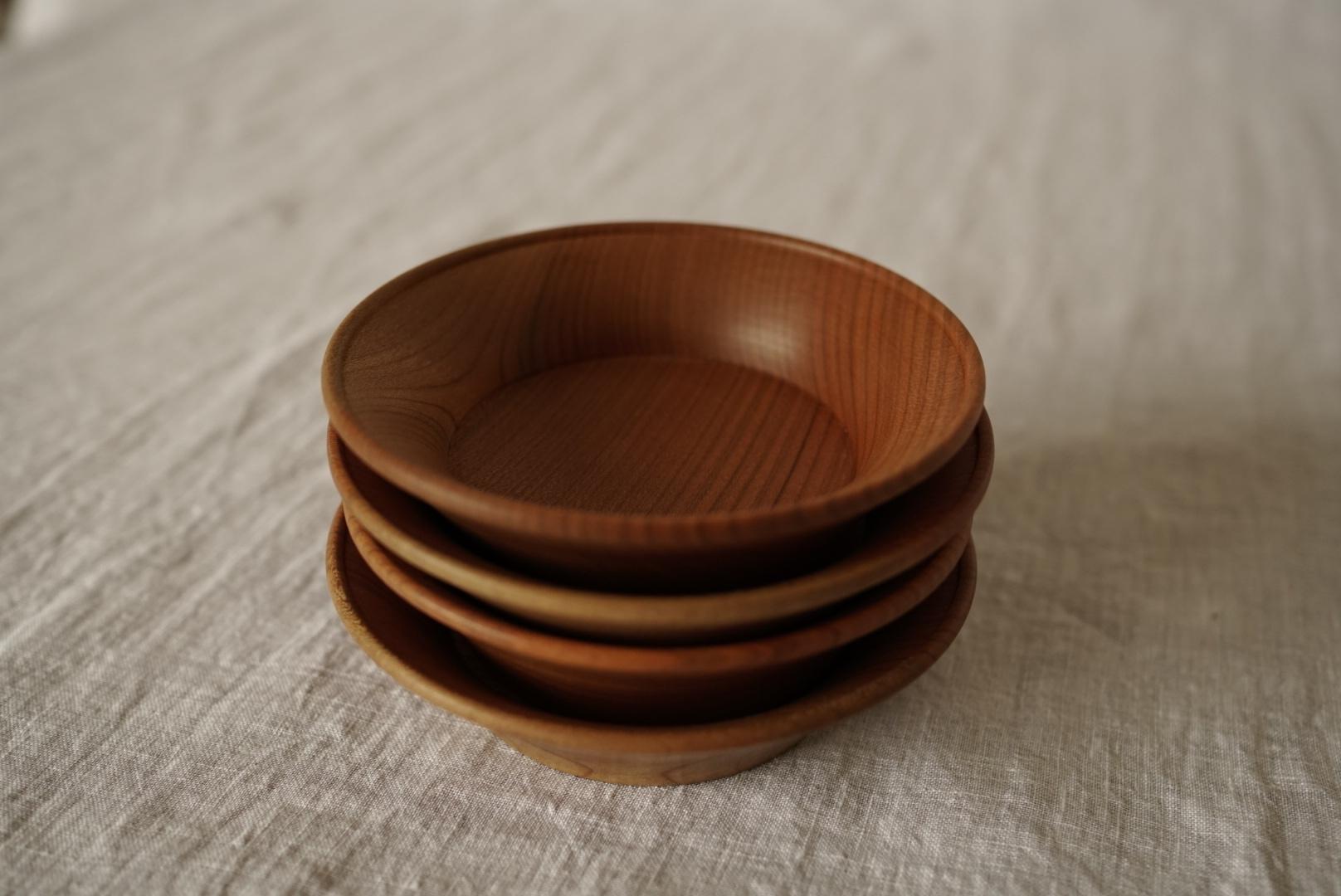 反り玉縁皿 12cm