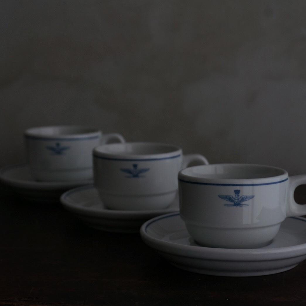 古いイタリア軍のカップ&ソーサー