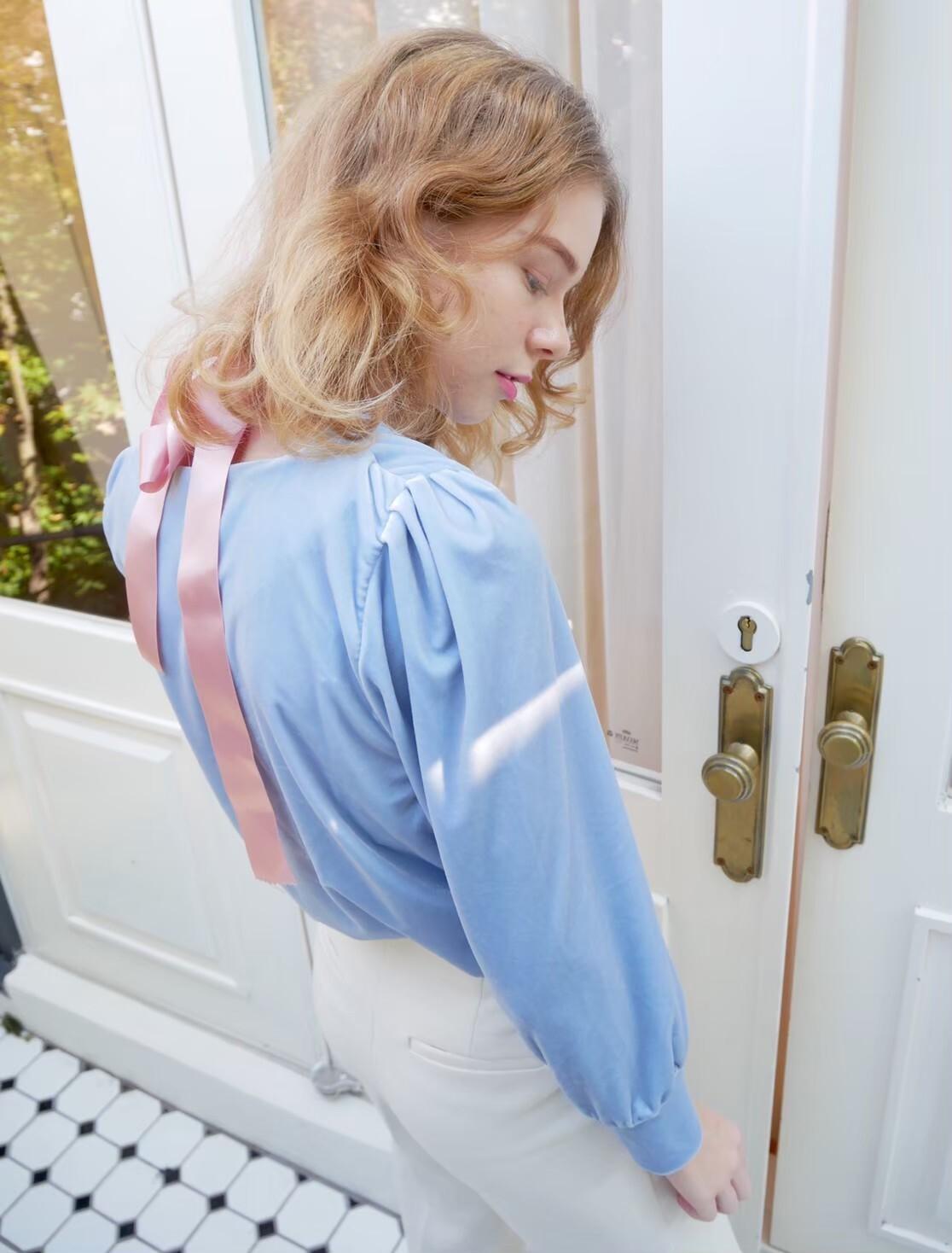 【KissMeLove】Sleeve button velor tops