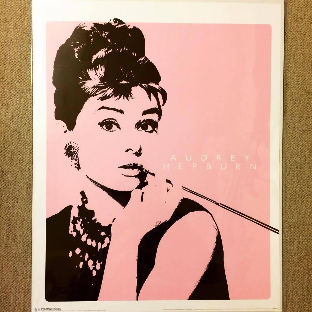 ポスター「オードリー・ヘプバーン」 - 画像1