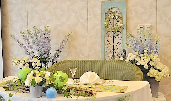 ガーデンウェディング風メインテーブル装花