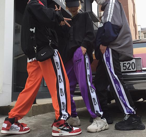 韓国ファッション パンツ レディース サイドライン ストリート系 スウェット ジャージ風 原宿系 ズボン【tb,390】