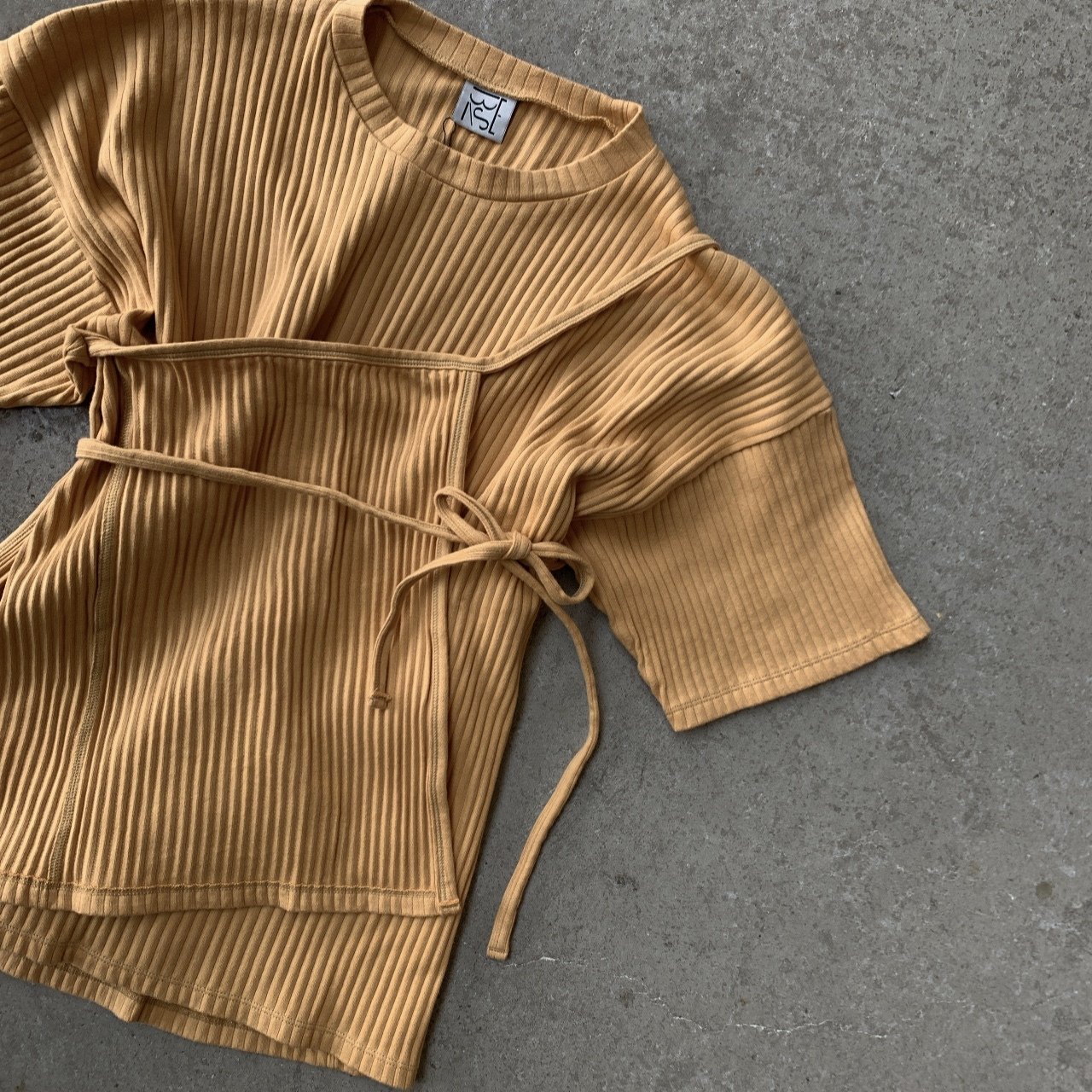 Baserange - Shaw Tee-Fleece Rib Laburnum Yellow