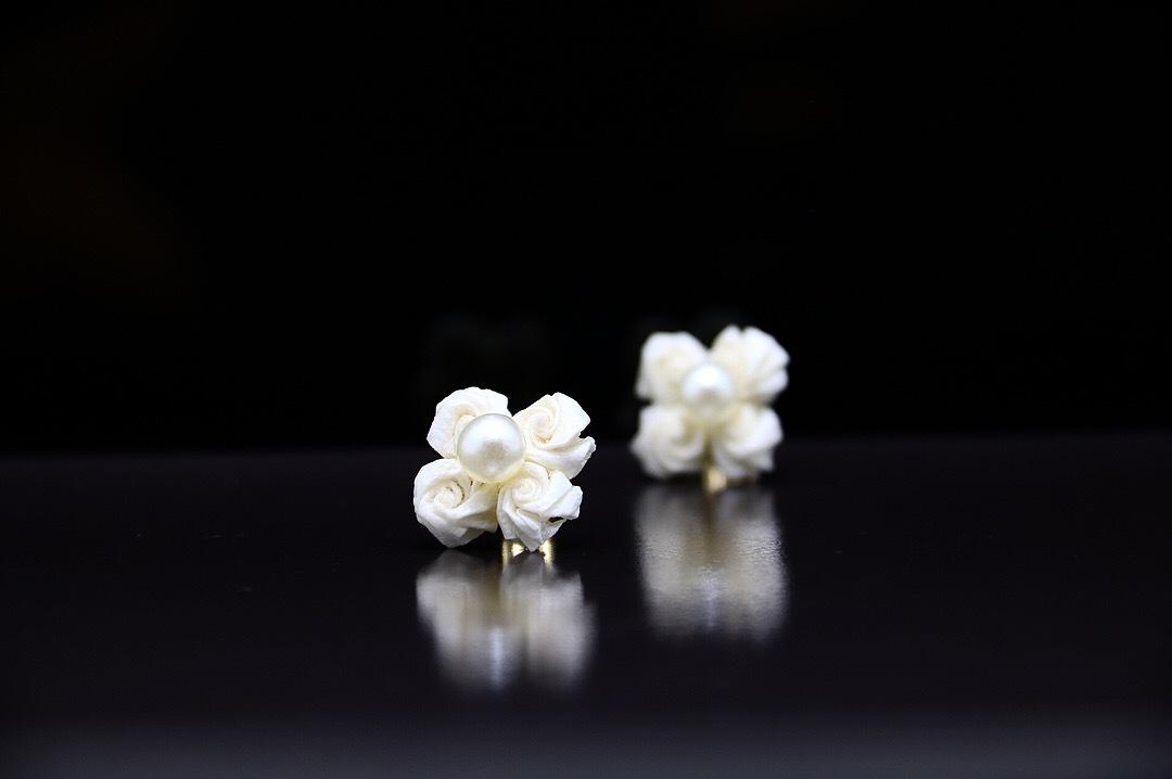 【washi】バラの華4 ピアス×ホワイト