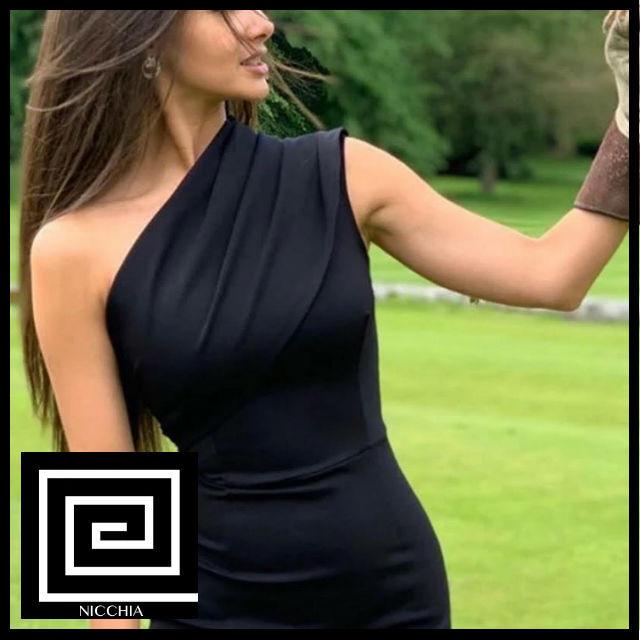 ワンショルダーブラックタイトドレス