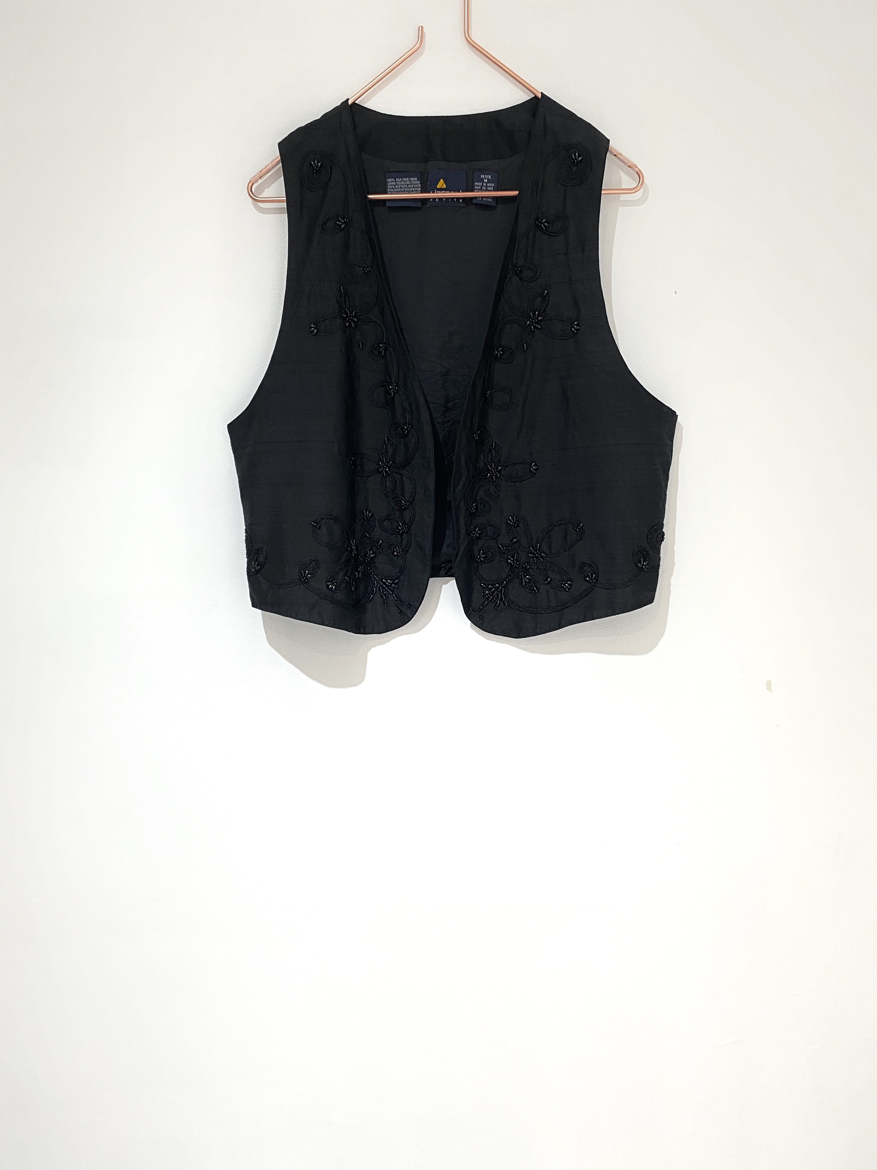 ◼︎90s beads embroidery silk vest  from U.S.A.◼︎