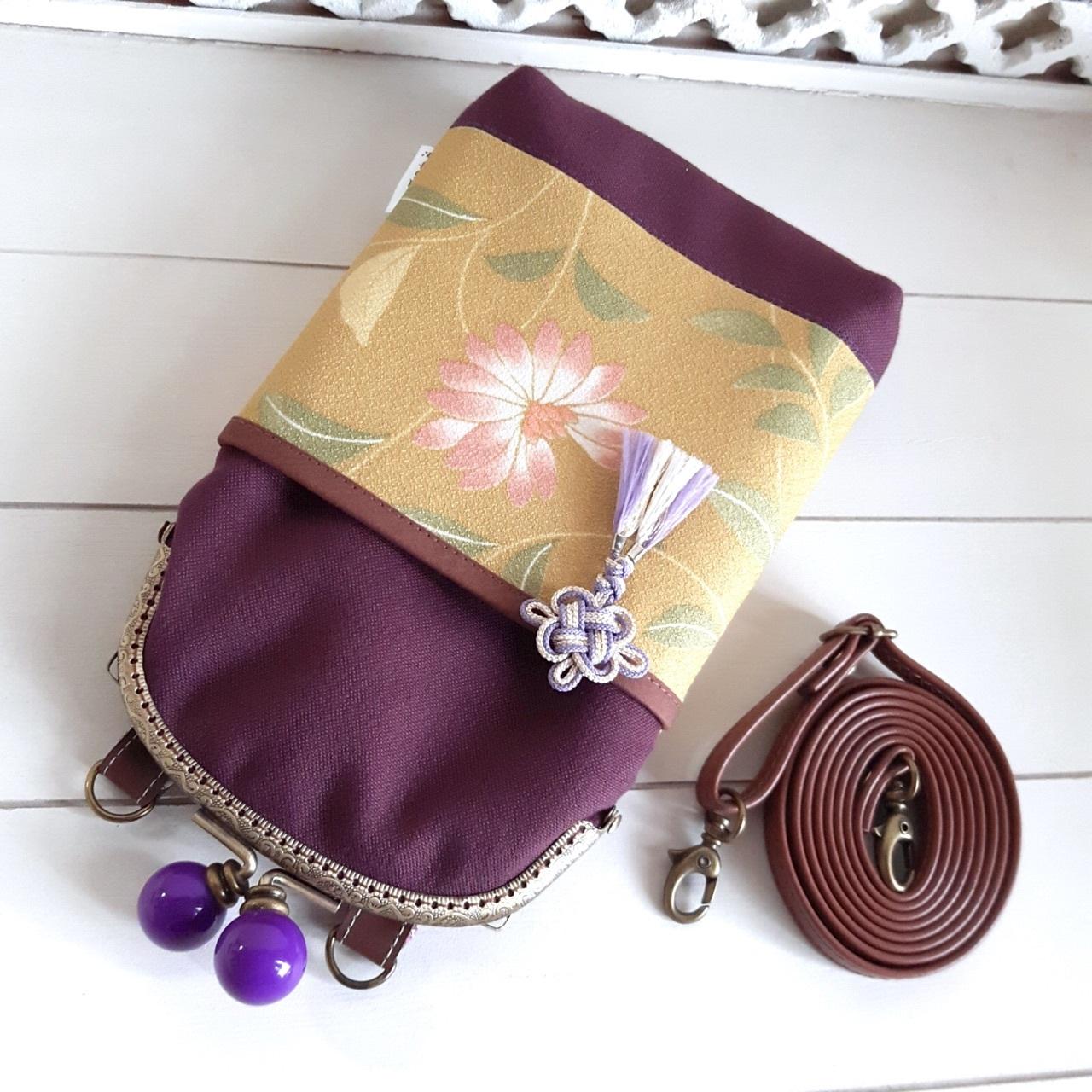 がま口スマホポシェット 紫×黄緑花柄(内側:紫小花)
