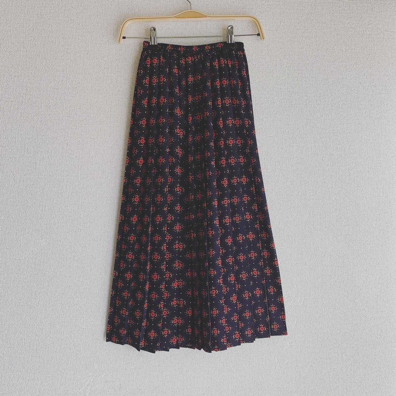vintage design pleats skirt
