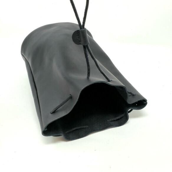 """""""Utility Bag02"""" 大人のためのレザー巾着(底あり) -柔らかくほどよい厚みが安心の牛革  - 画像5"""