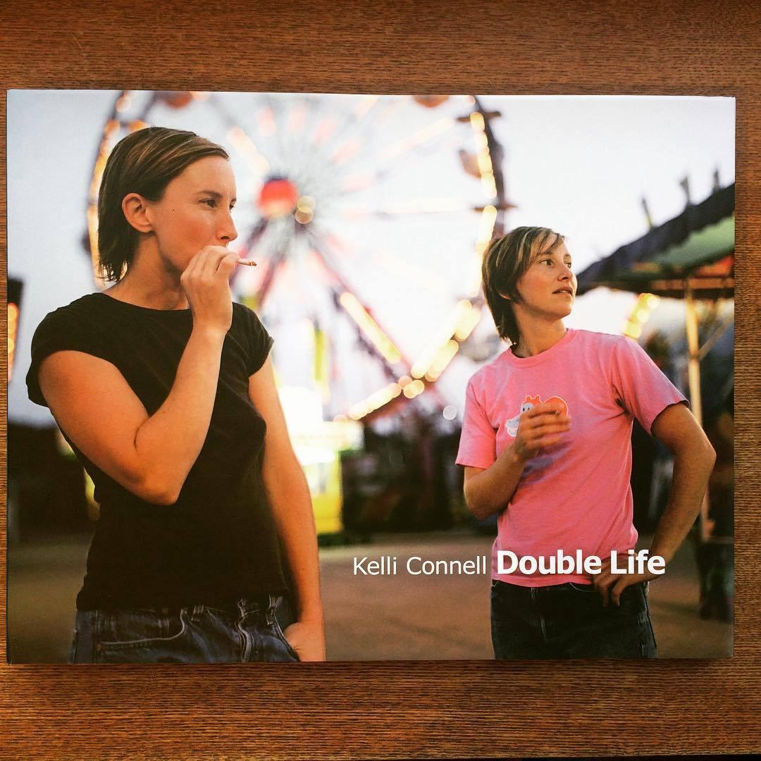 ケリー・コンネル写真集「Double Life/Kelli Connell」 - 画像1