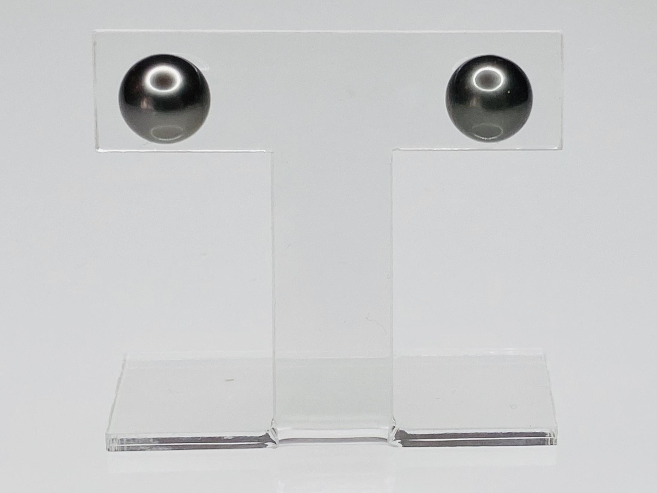 K18 WG 8.3mmタヒチパールピアス ○