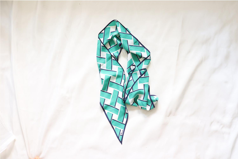 【vera/ベラ・ニューマン】変形スカーフ / グリーンのブロック柄