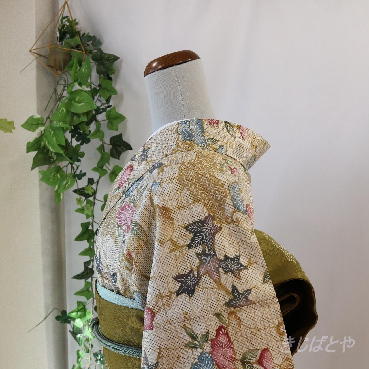 正絹紬 琵琶茶に花の総柄小紋 袷