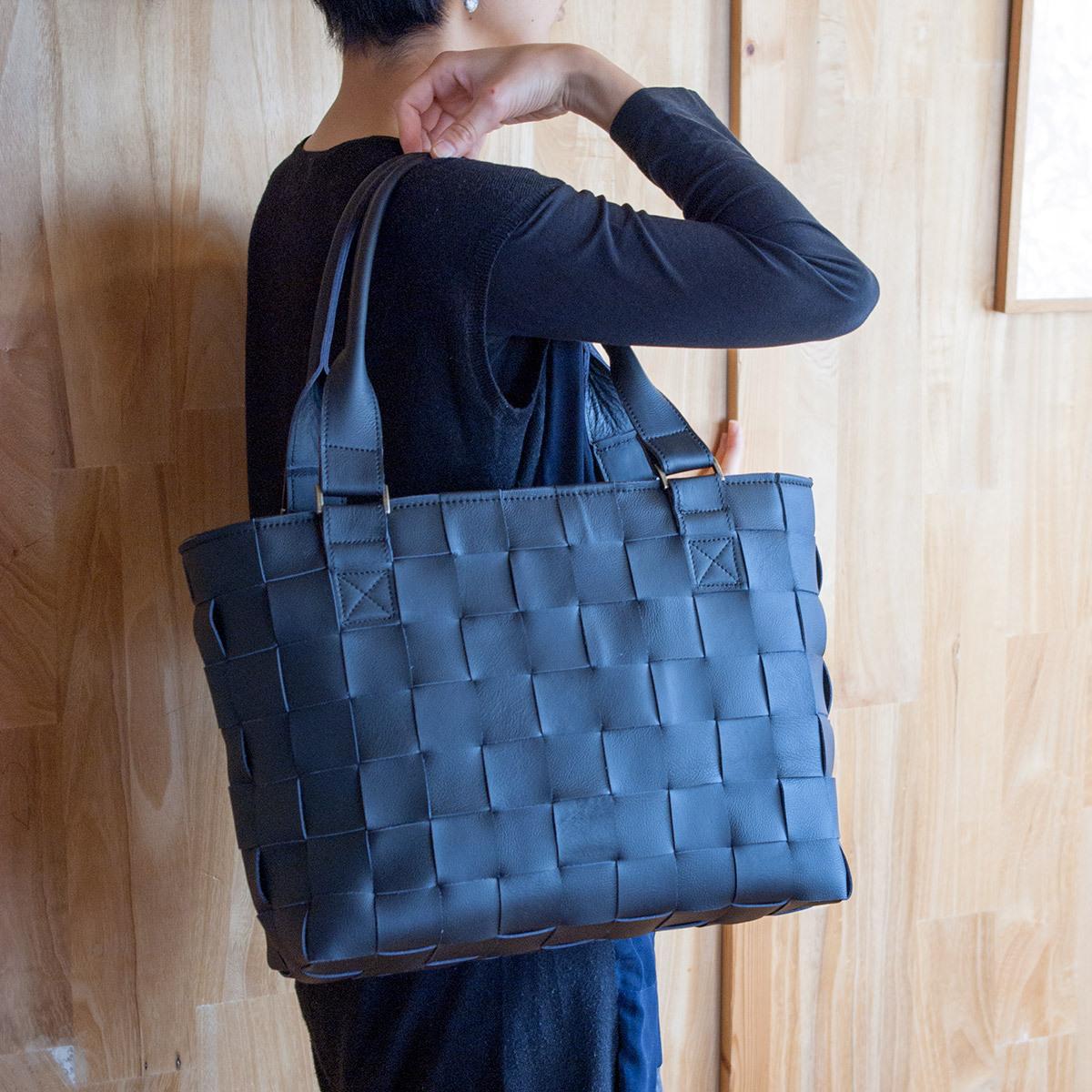 編みレザートートバッグ/家具の柔らかい牛革製 /大きめ/ 黒