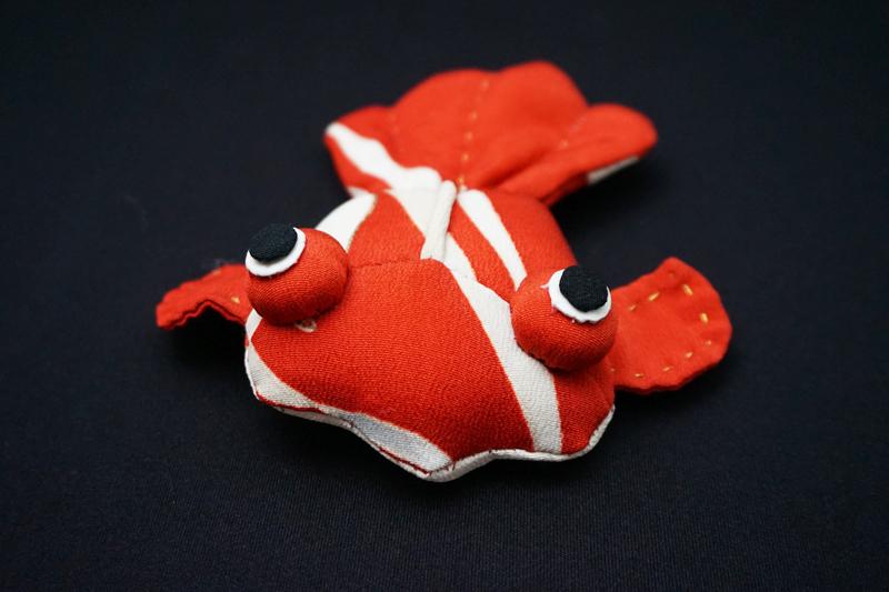 着物、和服の古布人形「出目金(赤)」 - 画像4