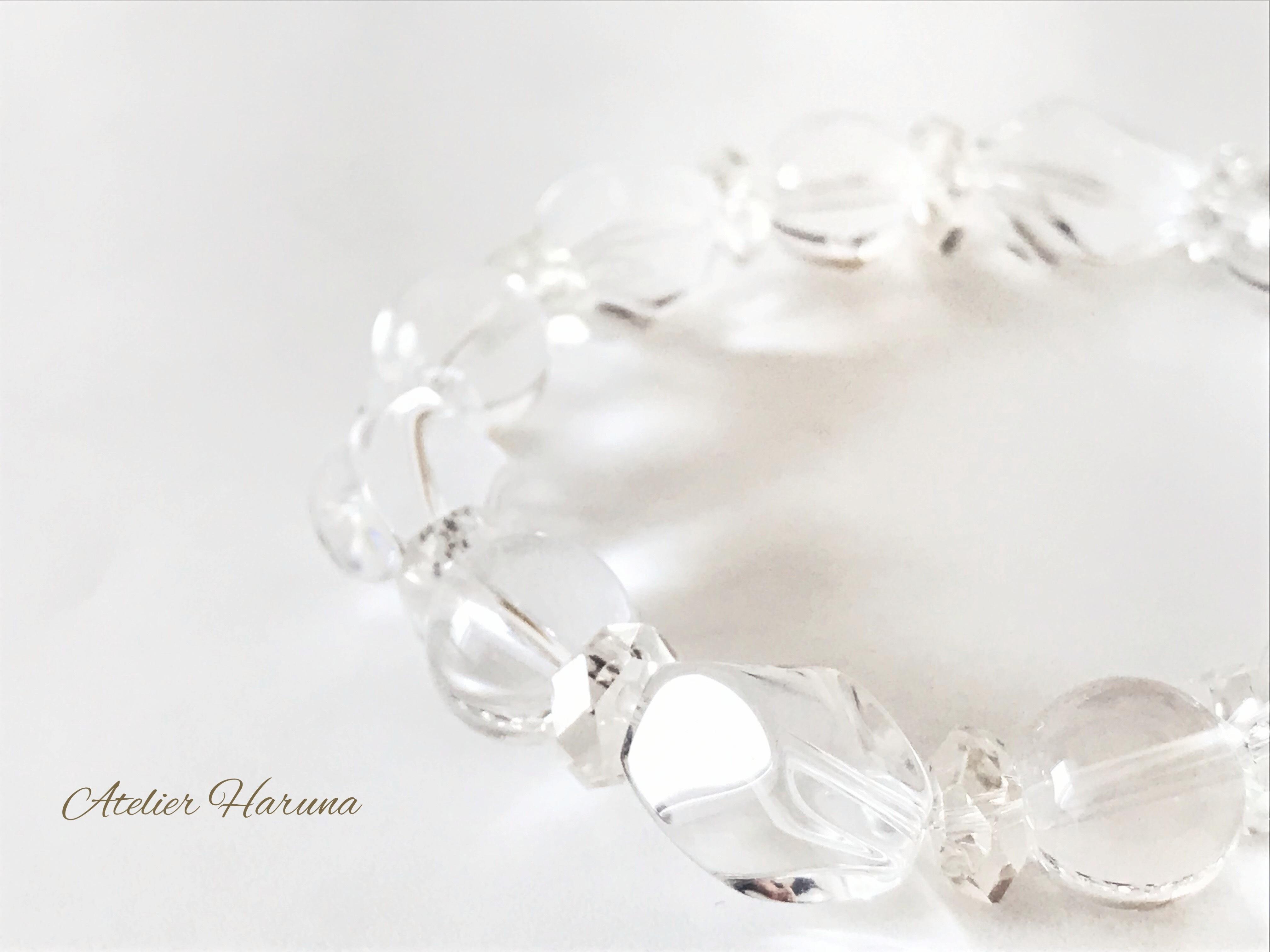 水晶のブレスレット
