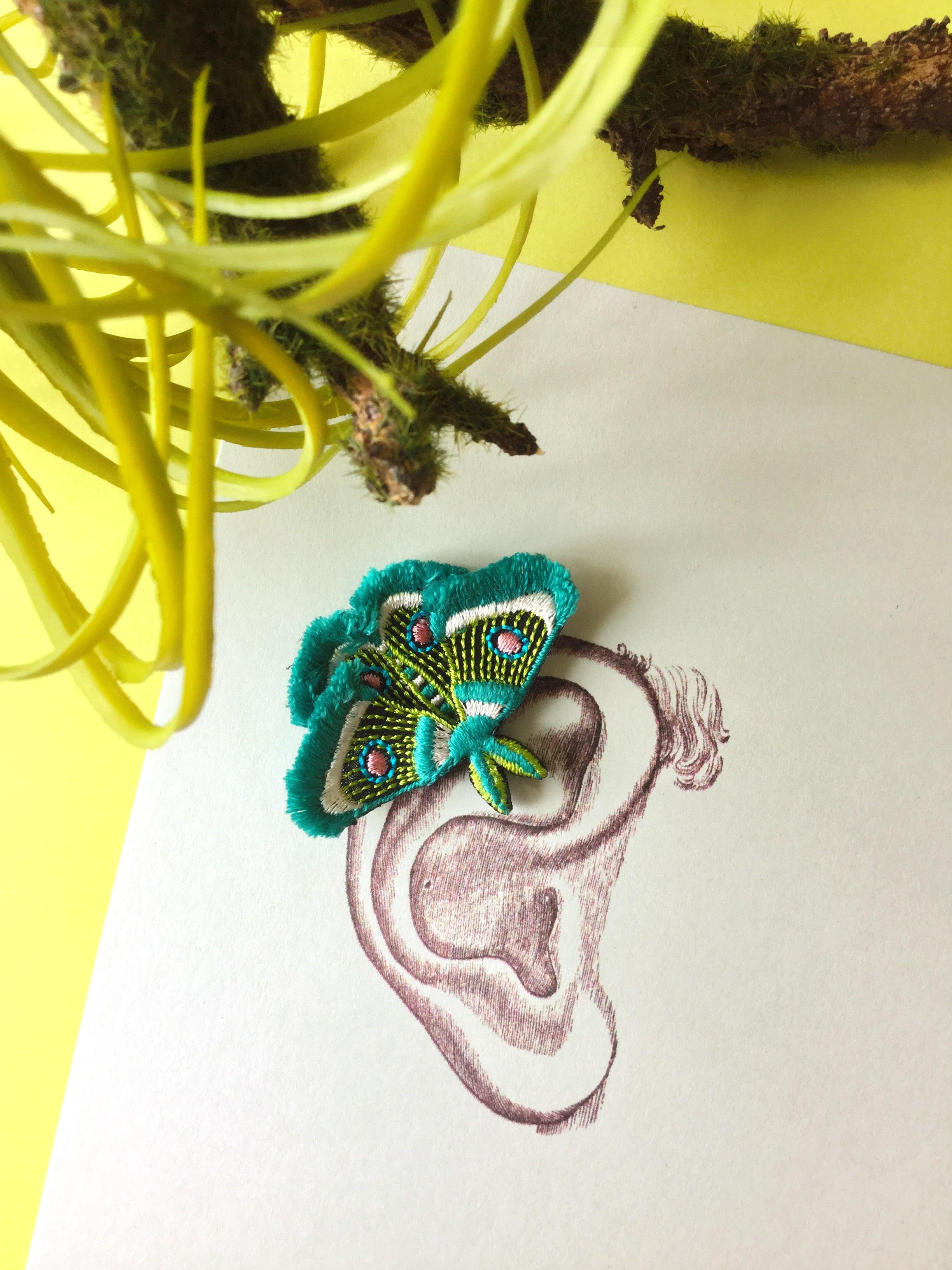ARRO / 刺繍 / イヤークリップ / ピアス / MOTH / green
