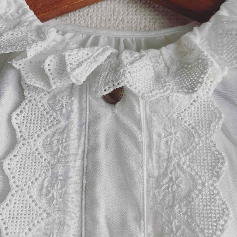 vintage lace design tops
