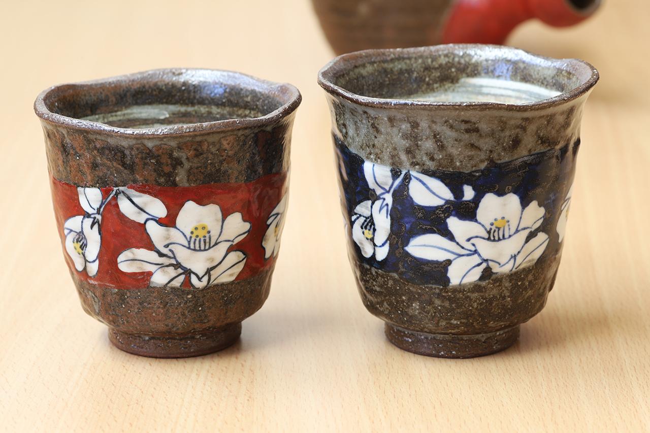 帯山茶花 湯呑(大・小) 工房:福昭窯(波佐見焼)