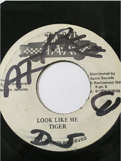 Tiger(タイガー) - Look Like Me【7'】