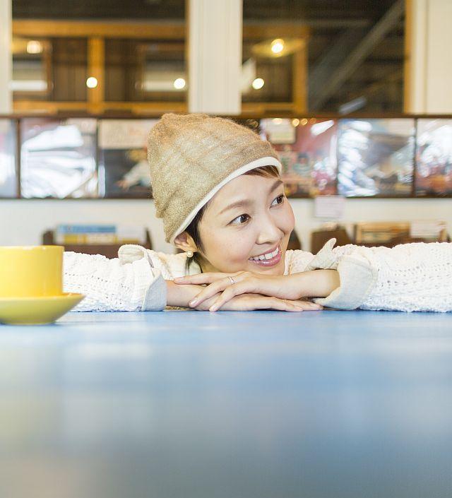 【送料無料】こころが軽くなるニット帽子amuamu|新潟の老舗ニットメーカーが考案した抗がん治療中の脱毛ストレスを軽減する機能性と豊富なデザイン NB-6507|MOCHA