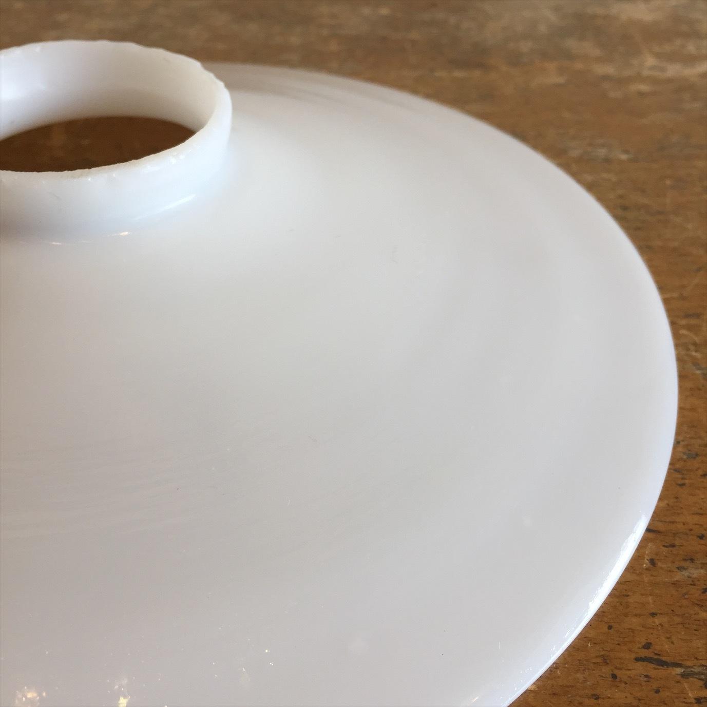 ミルクガラスペンダントライト