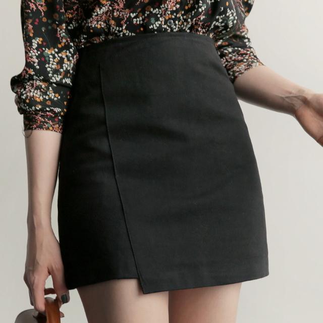 段違いヘム ミニスカート 黒 ブラック