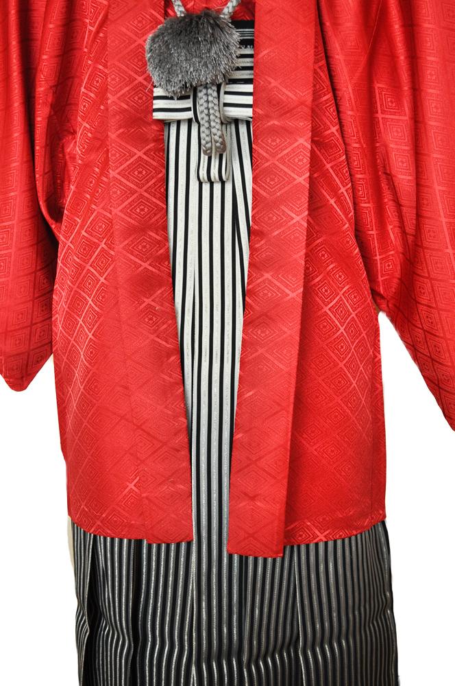 レンタル男性用【紋付袴】赤色着物羽織と黒銀ぼかしの袴フルセットred1[往復送料無料] - 画像4