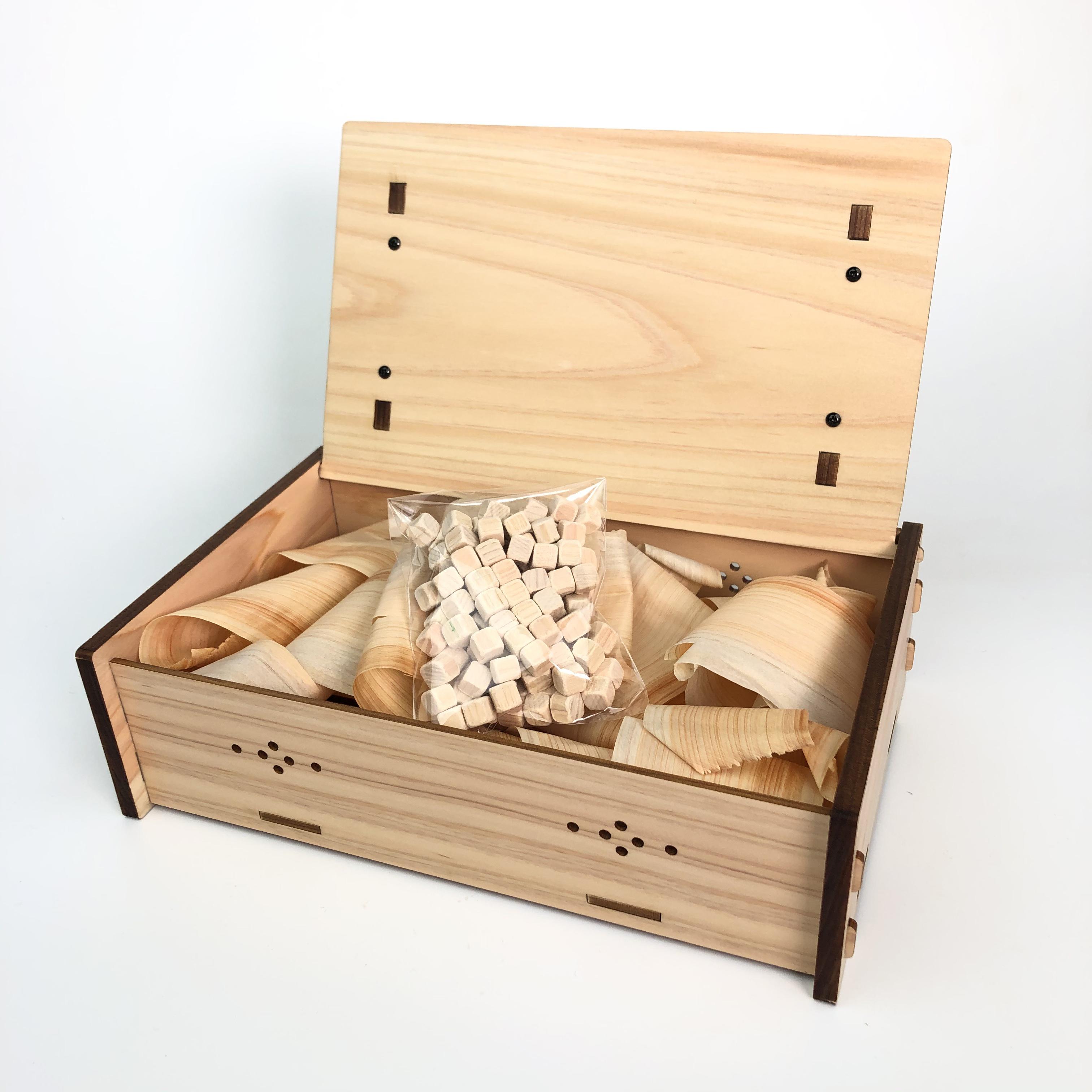 《檜原産 檜使用》ヒノキのマスククローゼット (ヒノキの小粒付き)