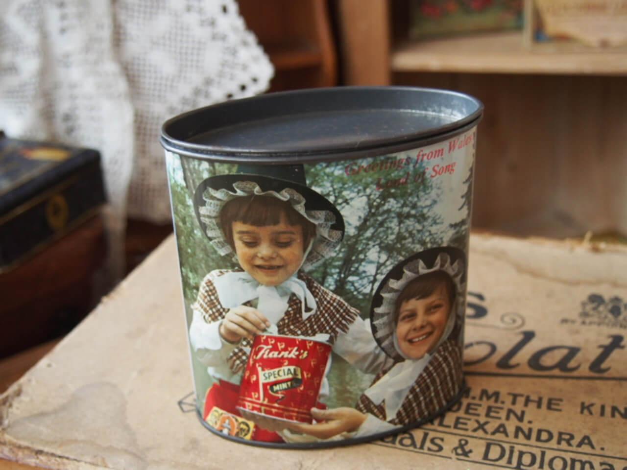 キャンディー缶