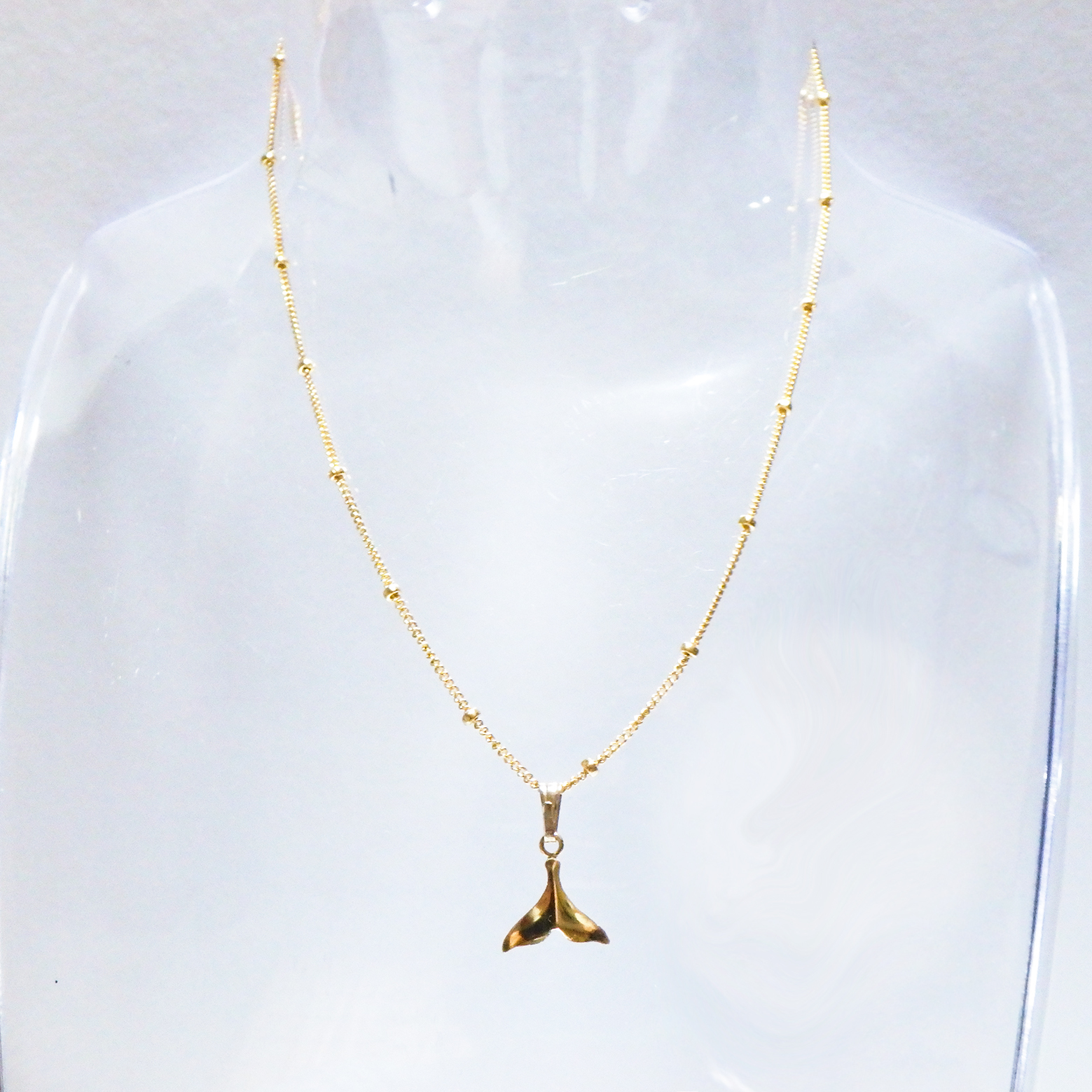 Whale Tail Dot Chain Necklace