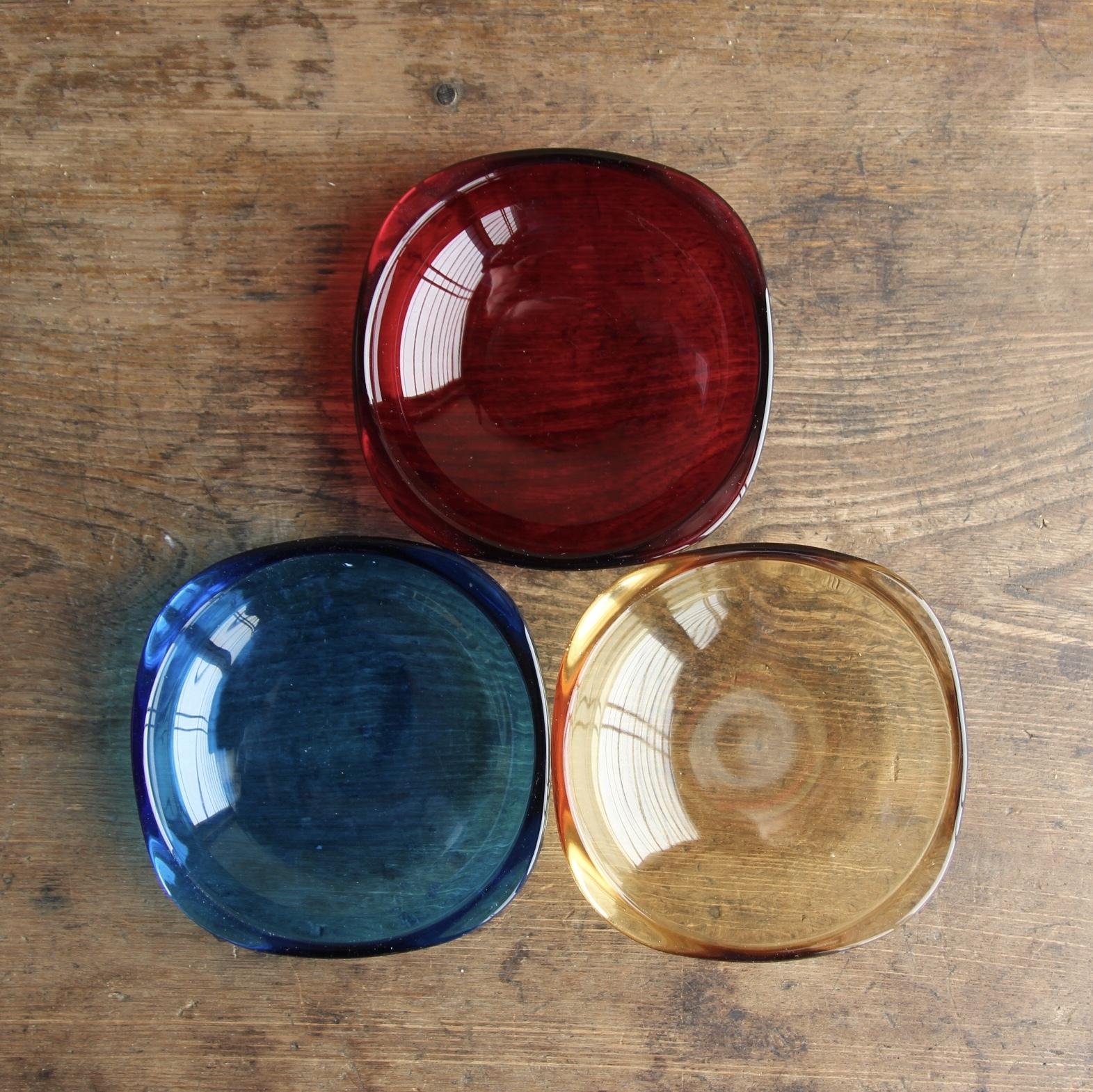 カガミクリスタル ハイカラー 小皿3色セット