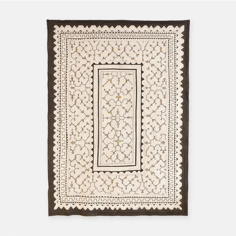 SHIPIBO TEXTILES シピボ族の泥染めの布 白カラフル 2140×1540mm S023