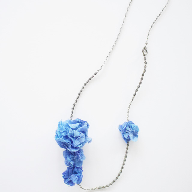 Necklace 〈 Sakira 〉 Blue
