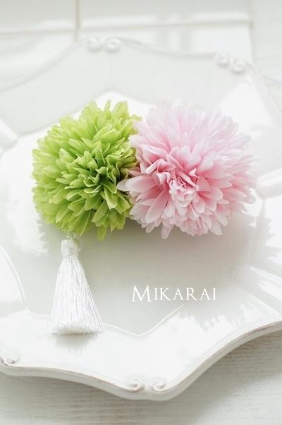 浴衣や和装に!大きめのマム(菊)とタッセルのヘアクリップ【グリーン✕ピンク】 [HP17]