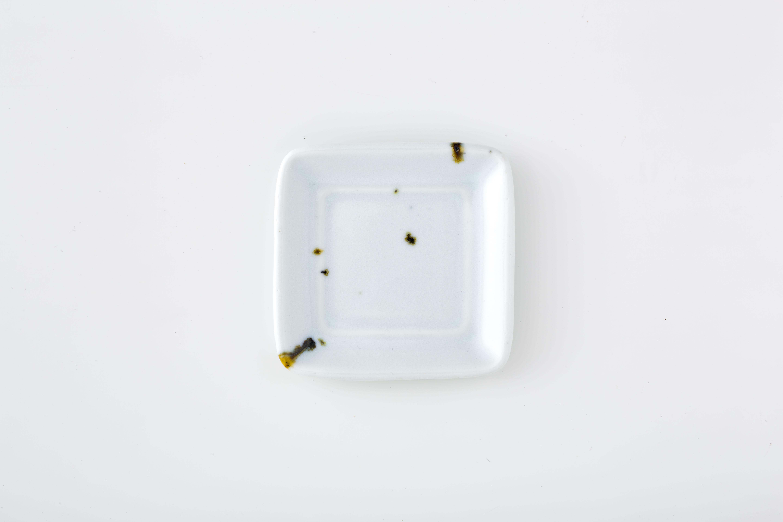 四角小皿:02 / 人見 和樹