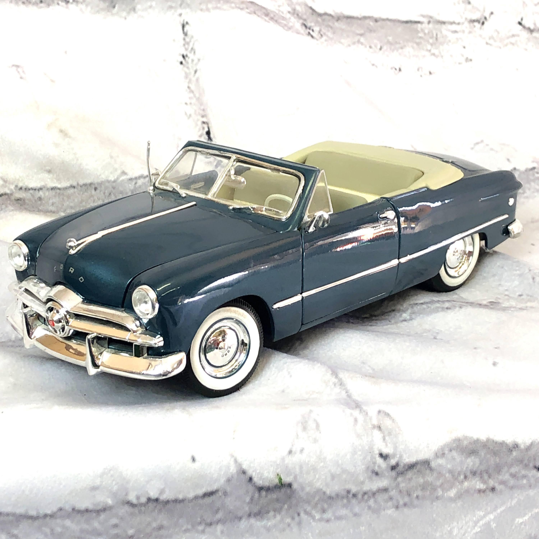 品番1223 1/18スケール Maisto 1949年 FORD フォード オールドブルー オープントップ  ダイキャストカー 011